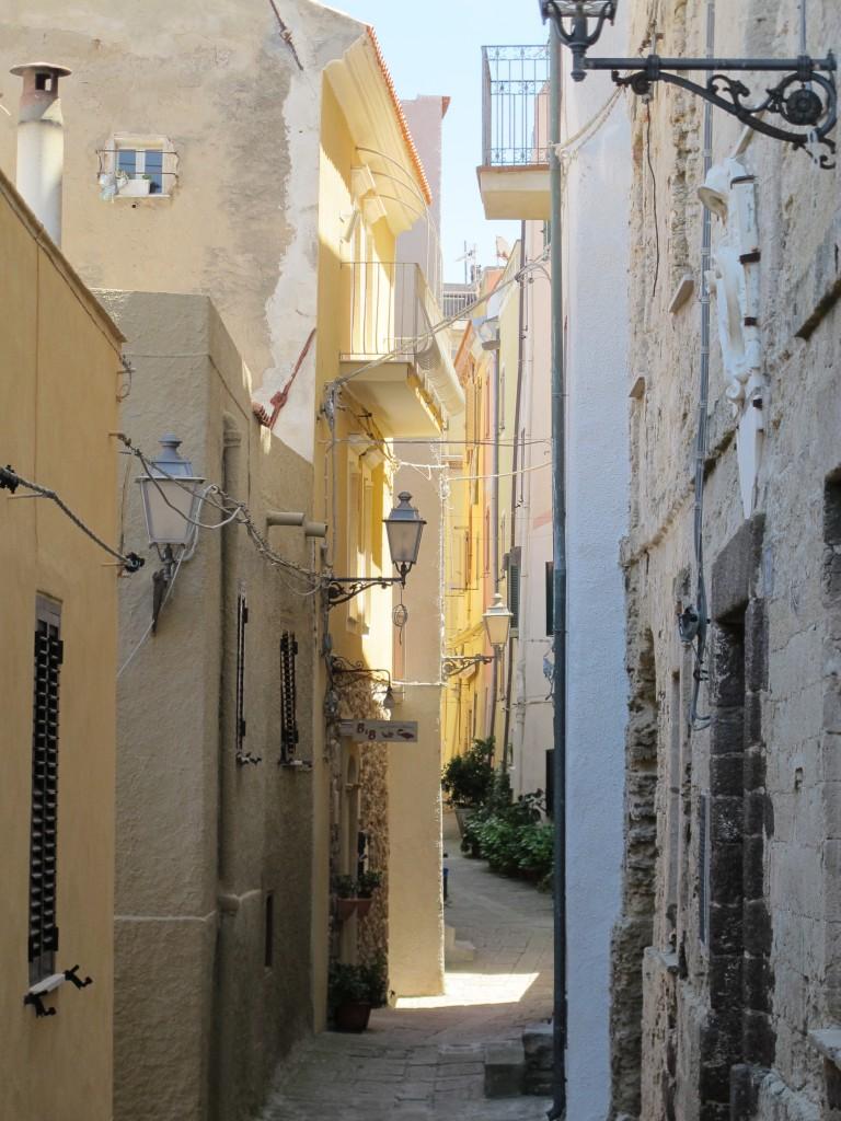 Det gamle Castelsardo bag borgmurene