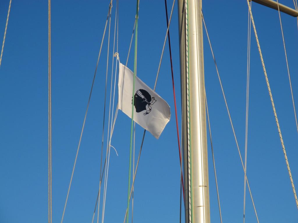 Gæsteflag, som bør bæres sammen med et franske
