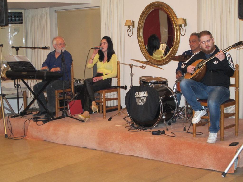 Der var ikke meget fest og farver over musikerne, men dygtige, dét var de.