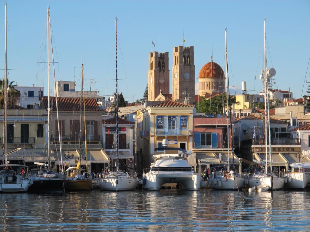 Havnen på Ægina set fra fordækket