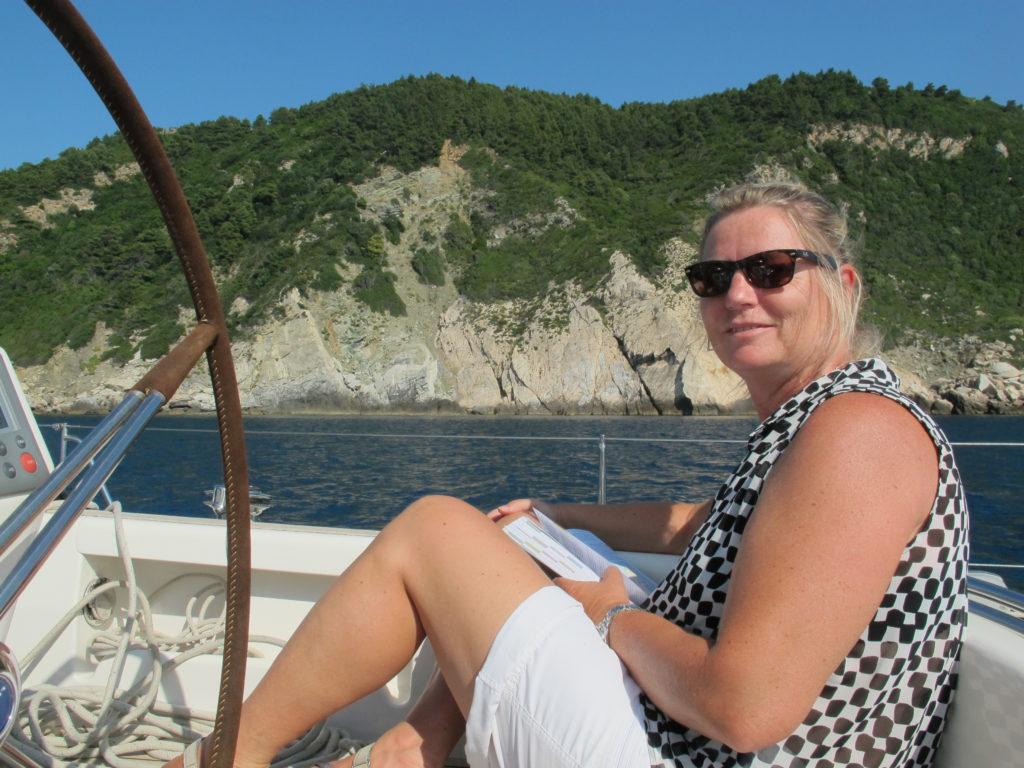 Hygge ombord ved nordspidsen af Skorpelos