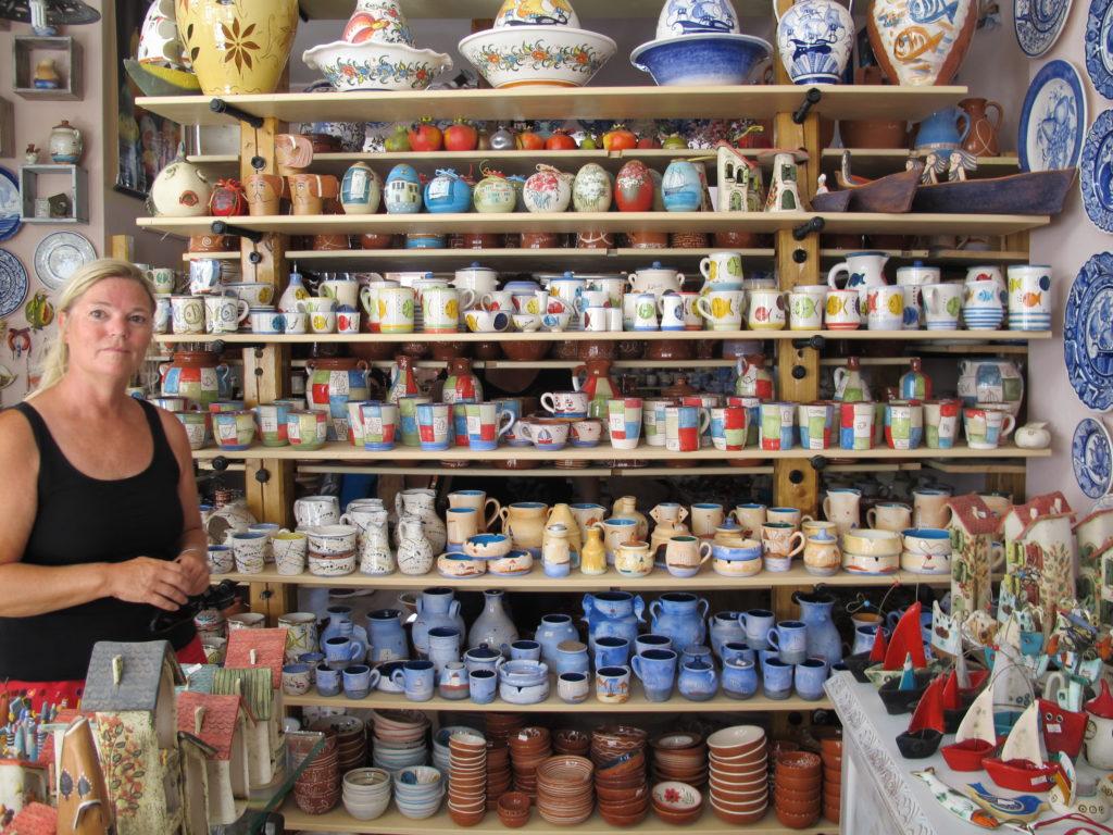 Keramik udvalget er enormt. Vi købte vist ikke noget.