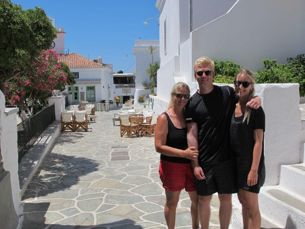 Vi vandrer op til Kithnos' smukke hovedstad Chora/Messaria midt på øen