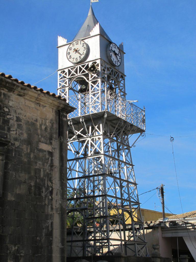 Særlige klokketårne kendertegner også Levkas